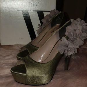 Westies Peep Toe Pump Heel - Grey